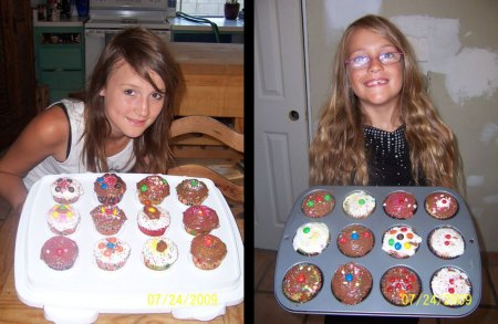 Cupcakes, Adina & Elizia