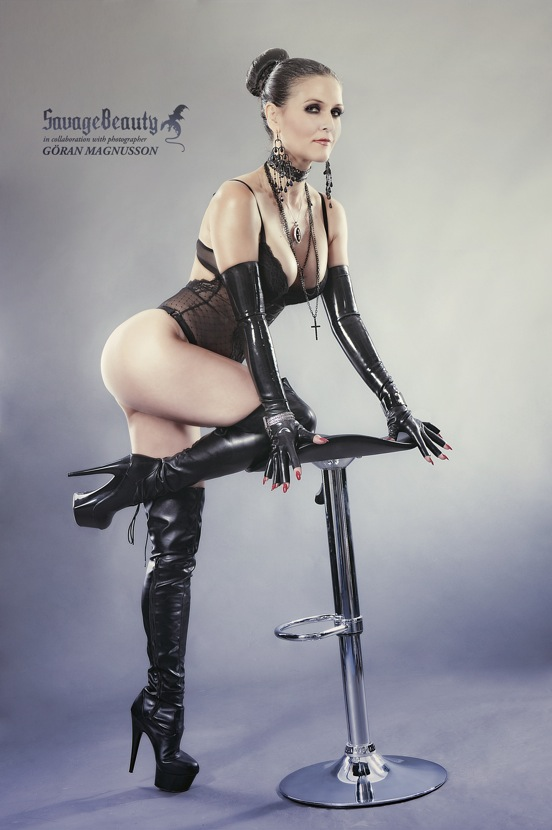 latex savage beauty blog