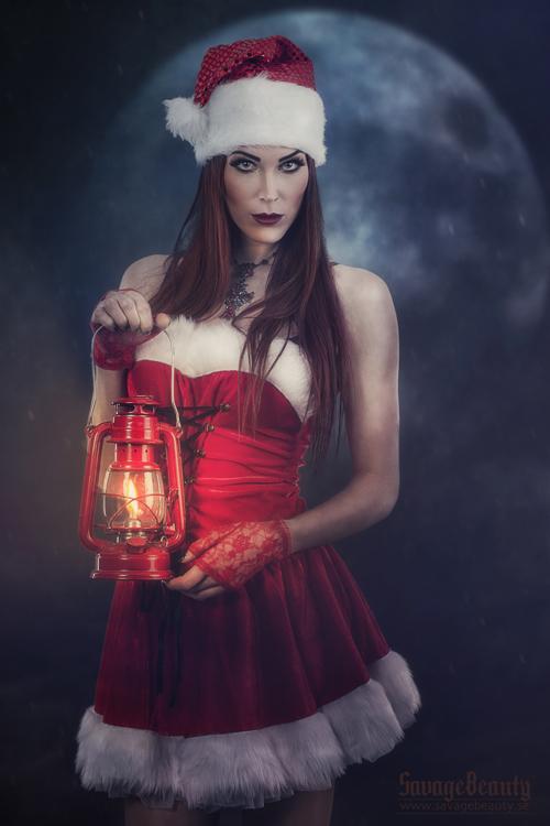 Ella Santa2